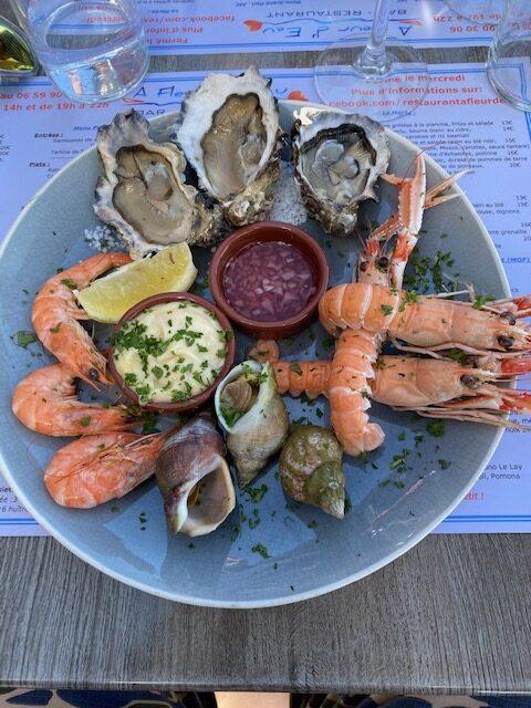 frische Meeresfrüchte mit toller Vinaigrette und Knoblauch-Mayonnaise.