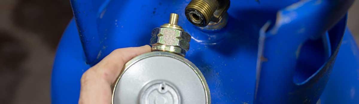 Wohnmobil Gasventile und Gasflasche