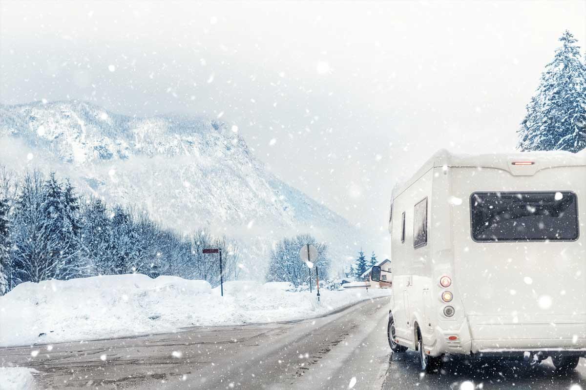 Wohnmobil und Wohnwagen winterfest machen