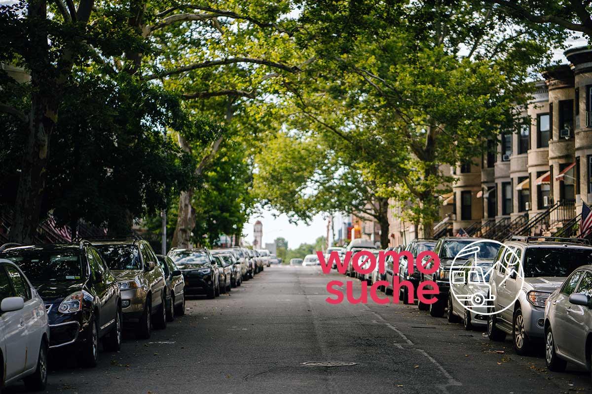 Parken mit dem Wohnmobil in der Stadt (Foto von mentatdgt von Pexels)
