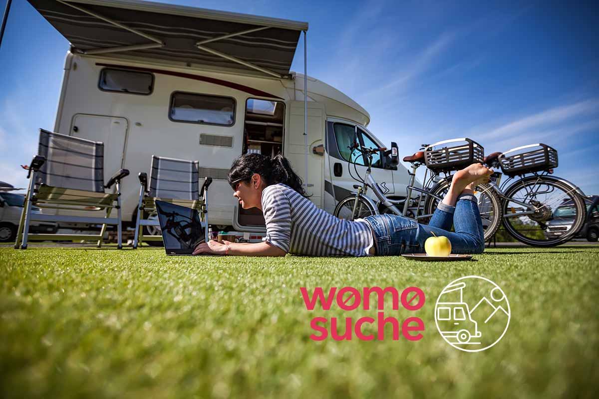 Wohnmobil Vorzelt (Bildnachweis: istockphoto, cookelma)